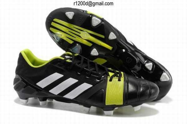 chaussure de foot nouvelle chaussures de football nike cr chaussure de foot nike mercurial pas. Black Bedroom Furniture Sets. Home Design Ideas